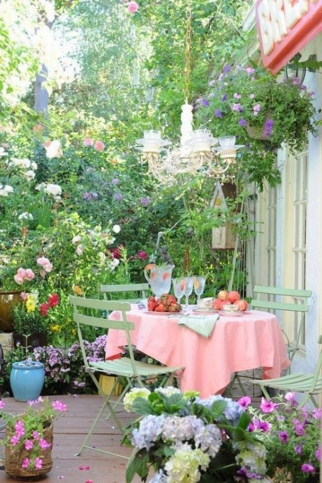 Ideas-for-small-gardens-Balconies8