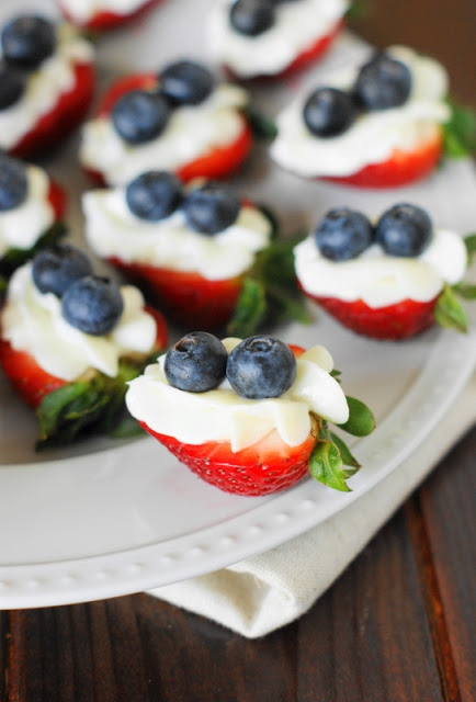 Red-White-and-Blue-Strawberry-Cheesecake-Bites+1